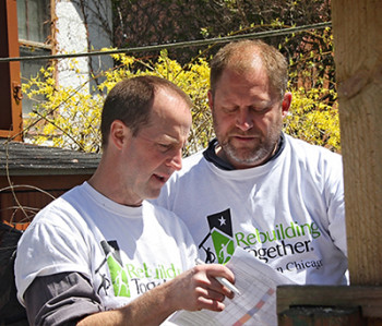 Rebuilding-Together-North-Surburban-Chicago_Serve11-350x299